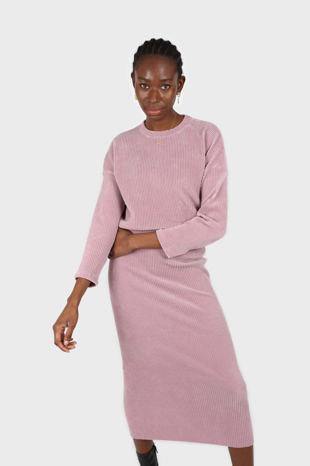 Pink ribbed velvet midi skirt4