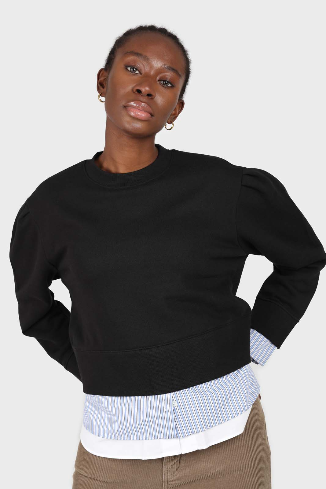 Black layered hem puff sleeved sweatshirt2