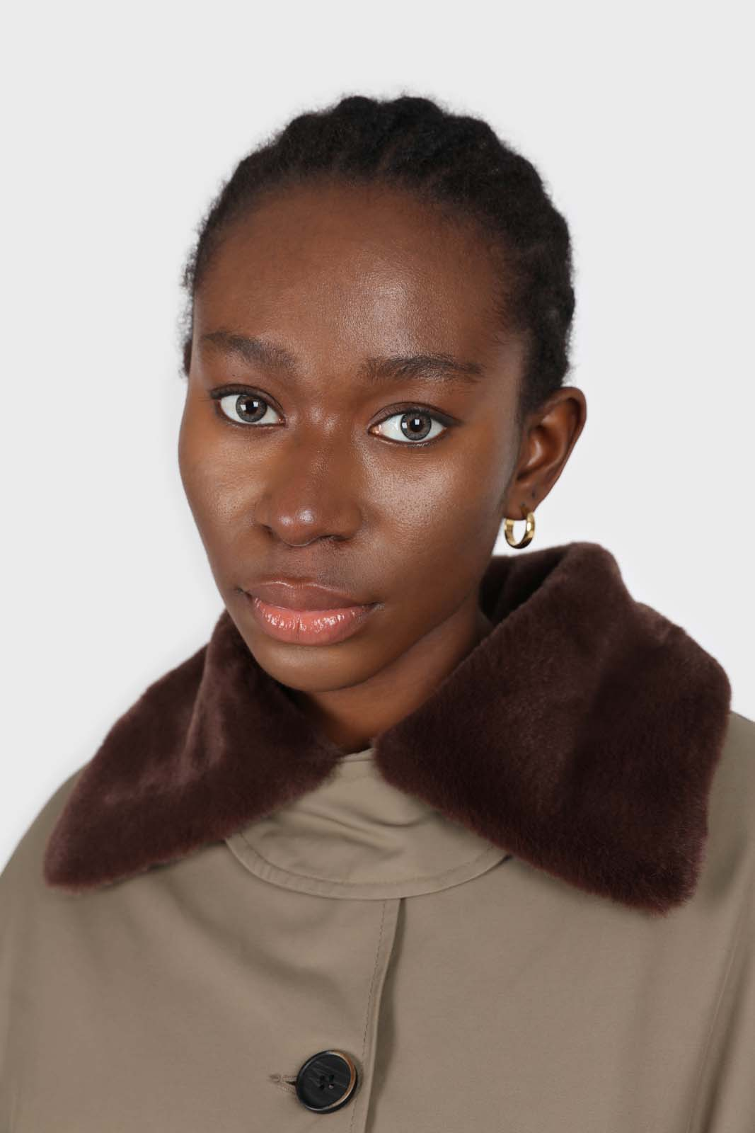 Khaki faux fur collar contrast faux fur lined trench coat6