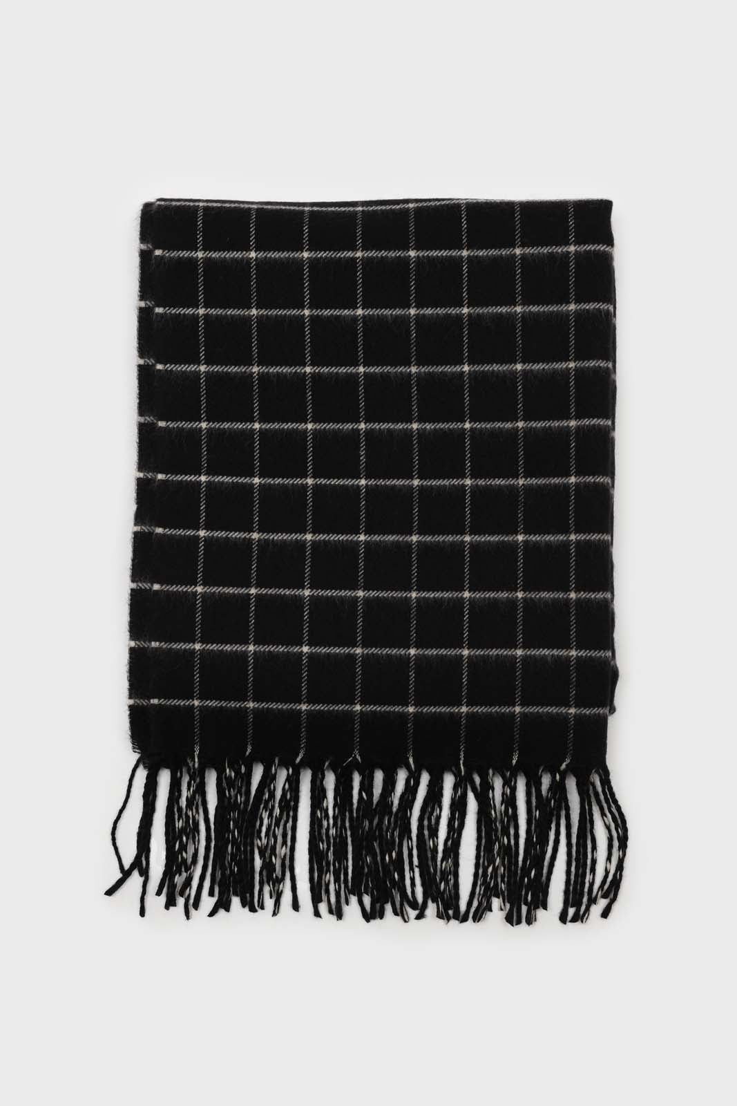 Black and white box check scarf2