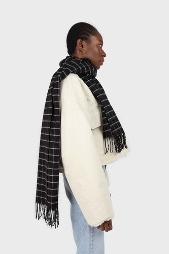 Black and white box check scarf4