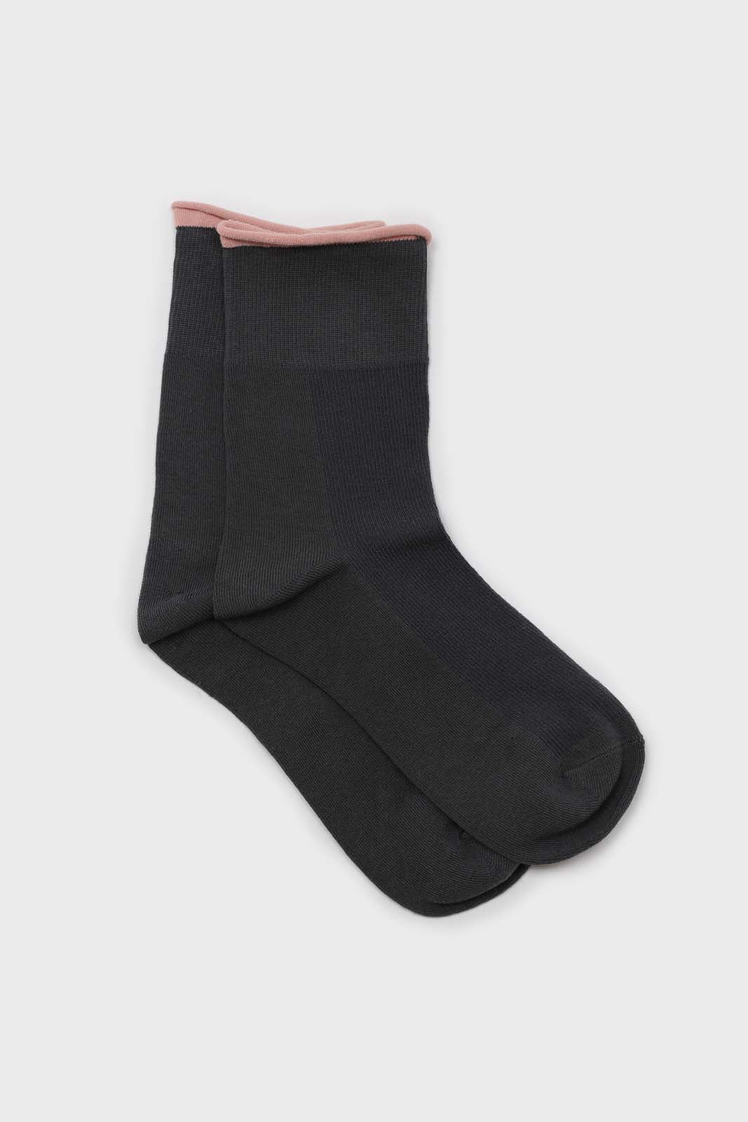 Charcoal and light pink rolled trim socks1sx