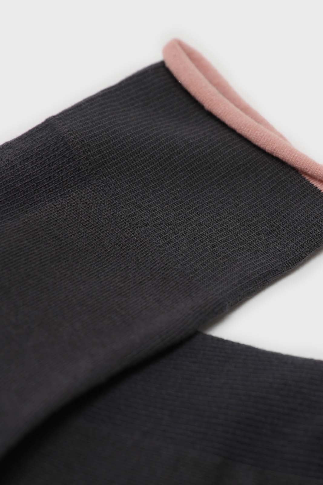 Charcoal and light pink rolled trim socks4
