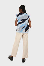 Load image into Gallery viewer, Blue and grey layered intarsia vest4