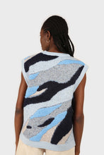 Load image into Gallery viewer, Blue and grey layered intarsia vest5