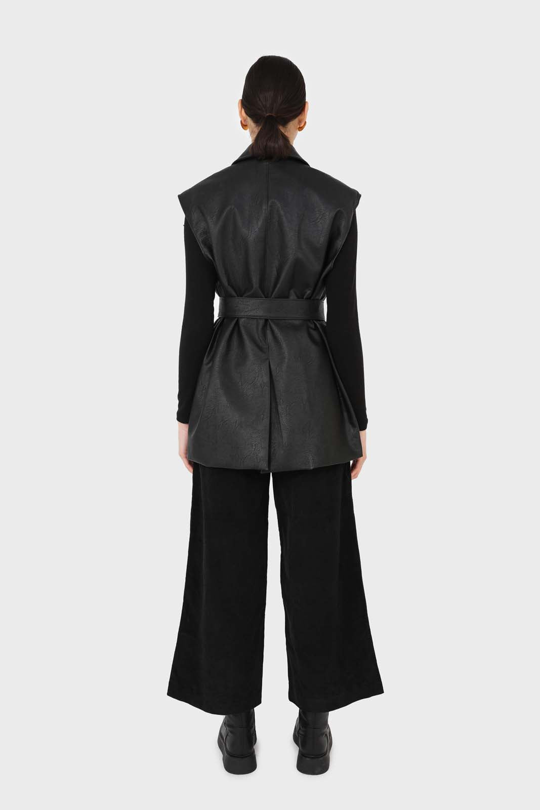 Black micro corduroy belted loose fit trousers2
