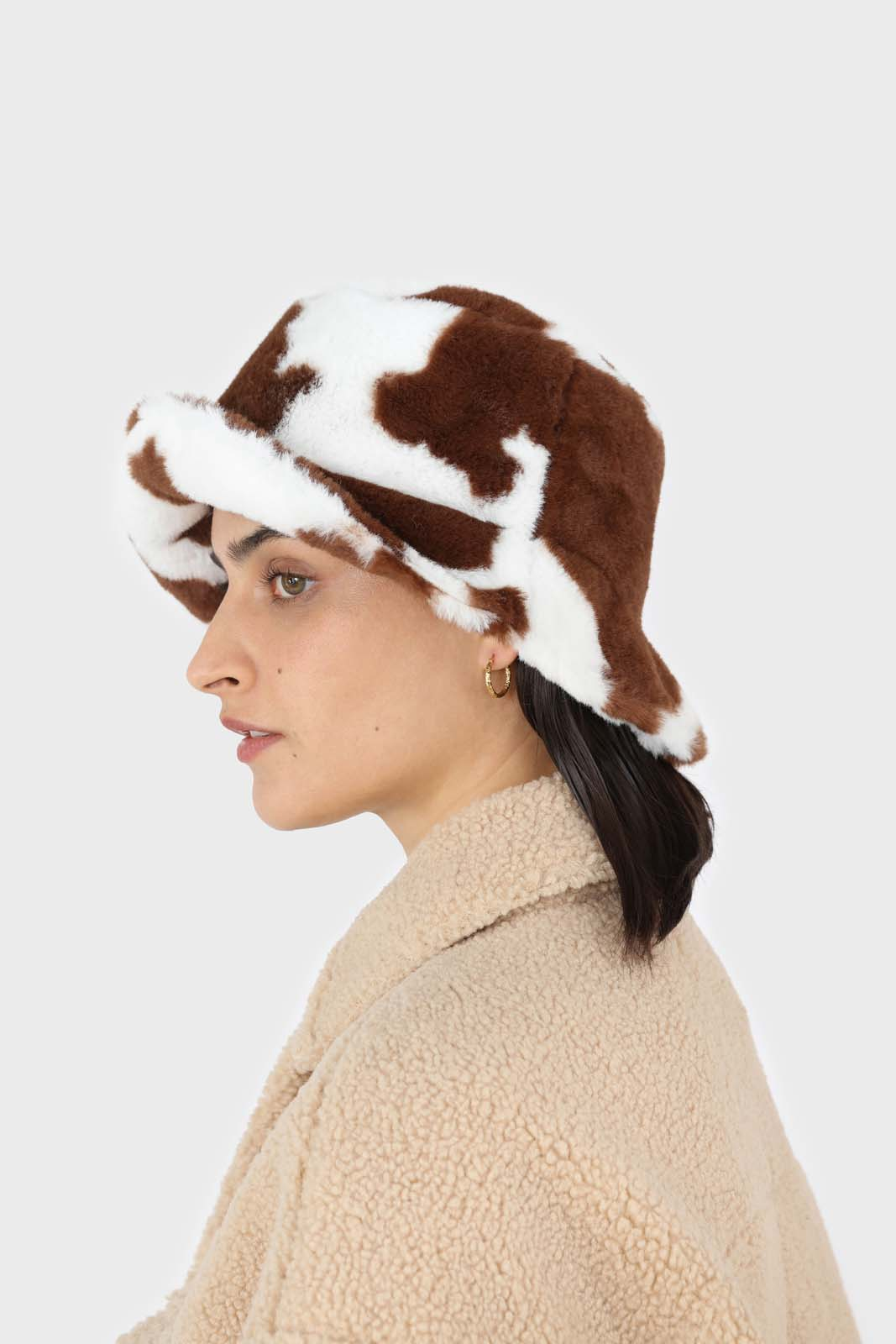 White and brown cow print faux fur bucket hat5