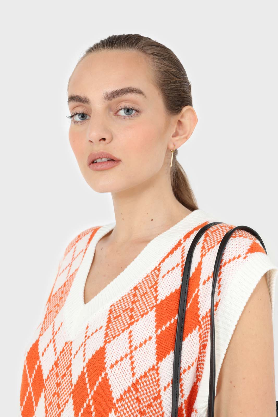 Ivory and orange bright argyle knit vest5