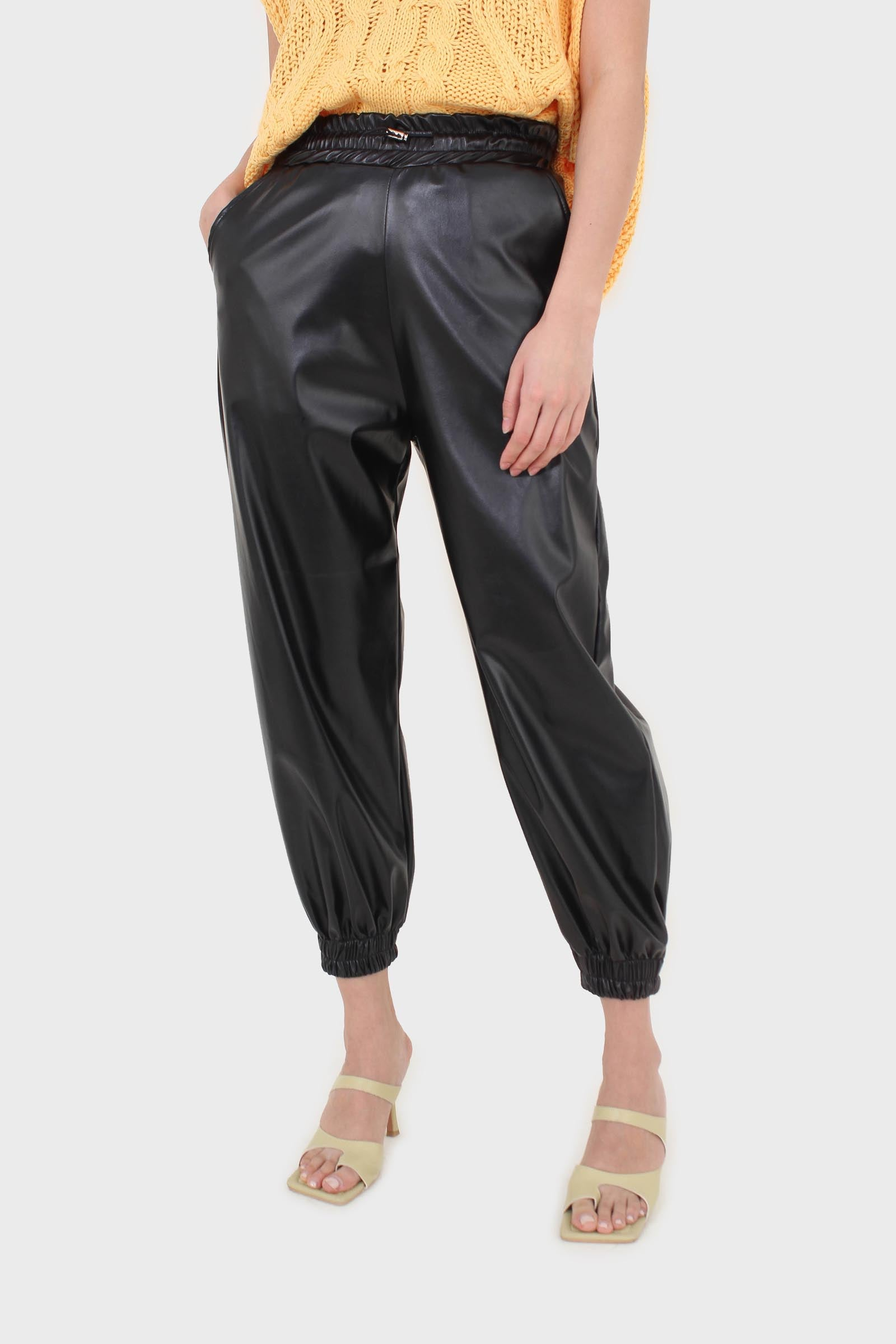 Black vegan leather jogging trousers4