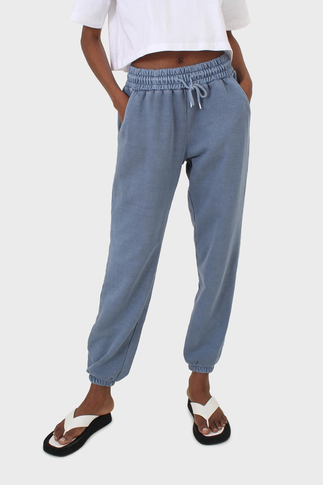 Dusty blue pigment sweatpants10