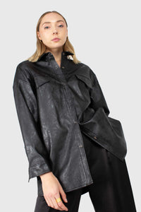 Black vegan leather belted shirt jacket3