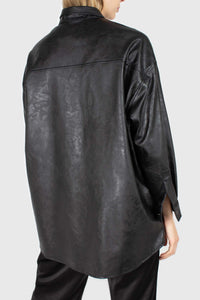 Black vegan leather belted shirt jacket4