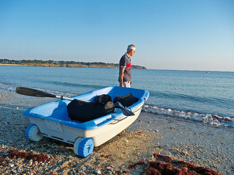 BIC Sportyak 245 tender boat - waves-overseas
