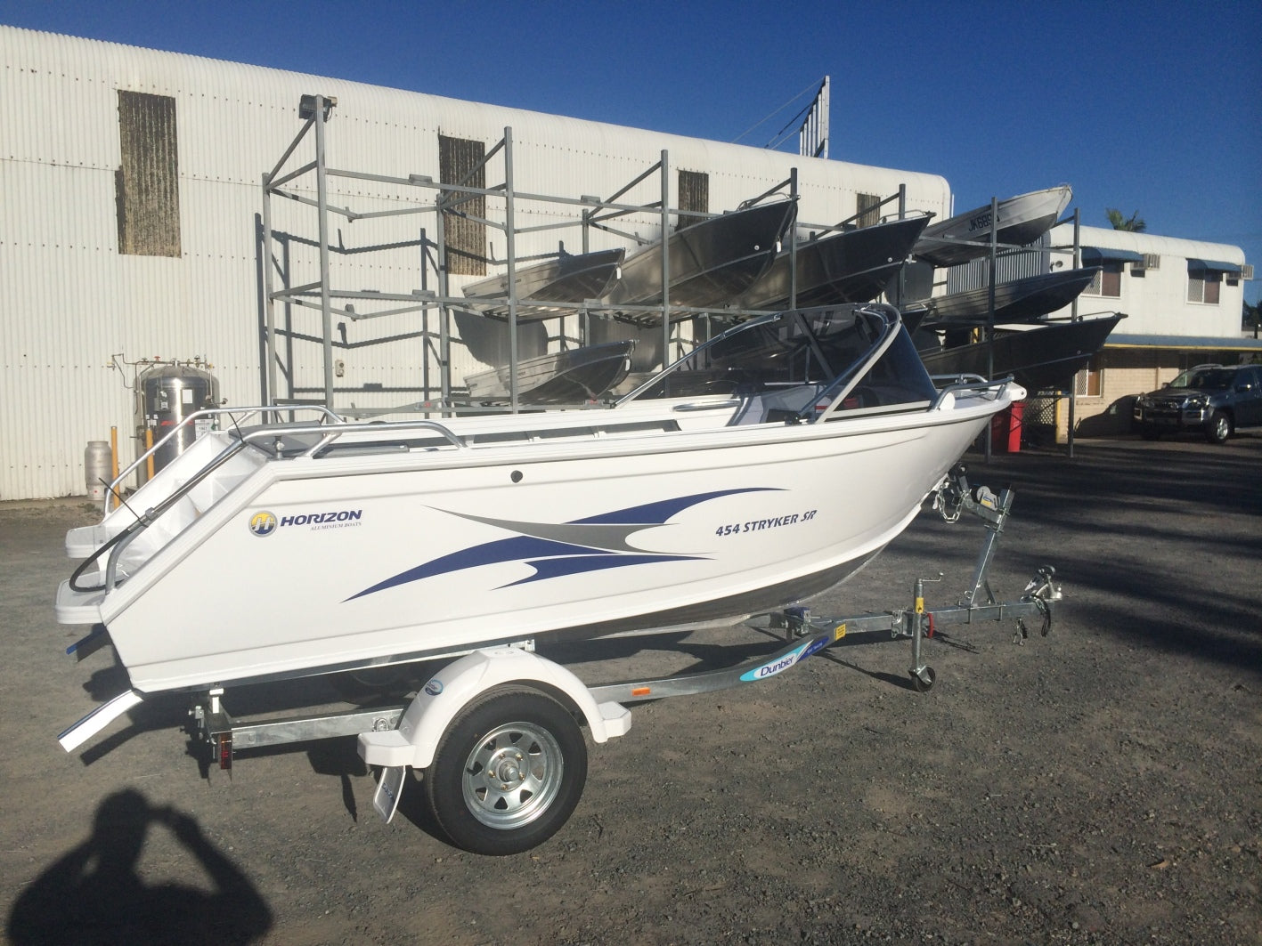 Horizon 454 Stryker SR Runabout - waves-overseas
