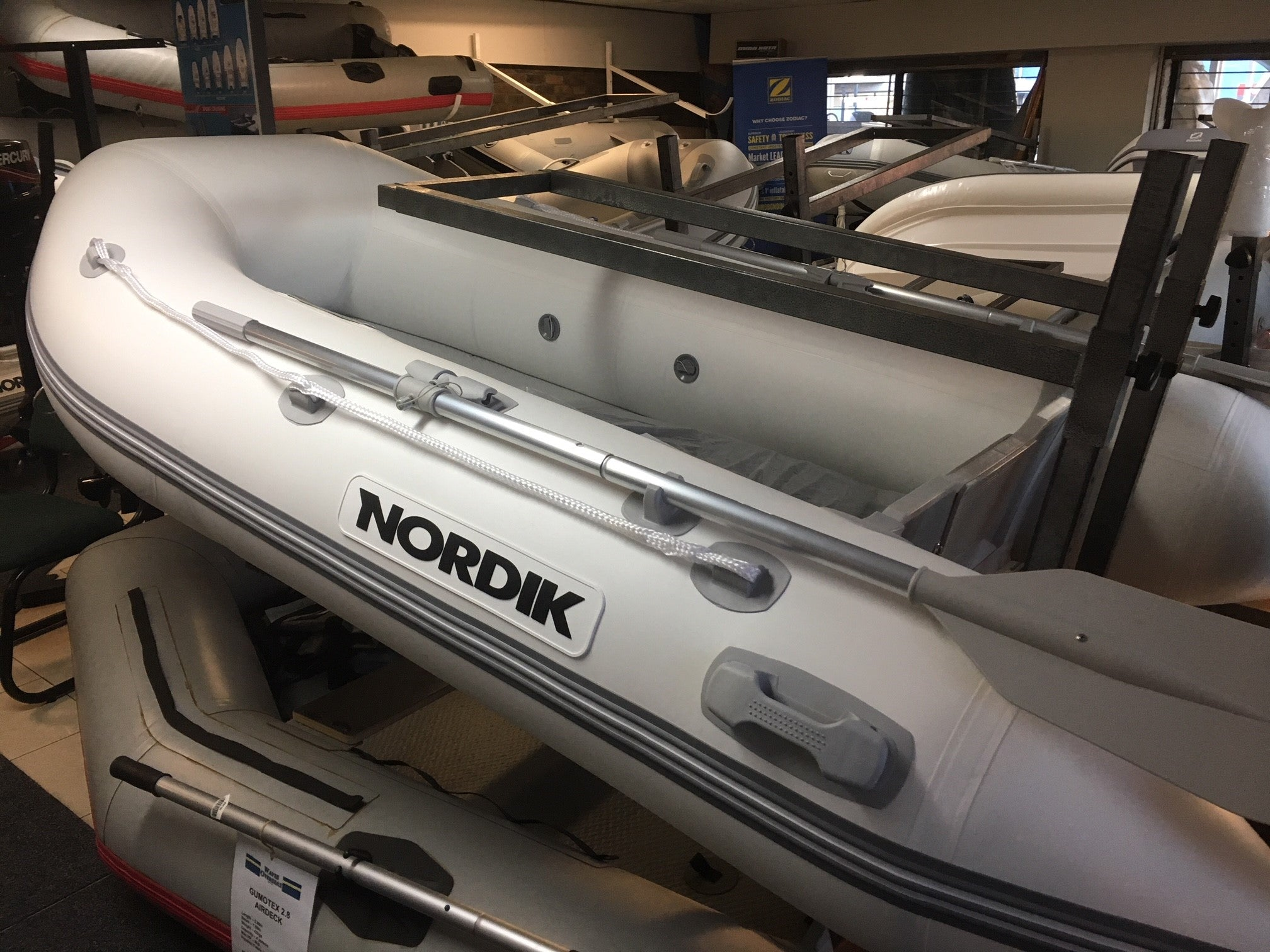 Nordik 290 Airdeck - waves-overseas