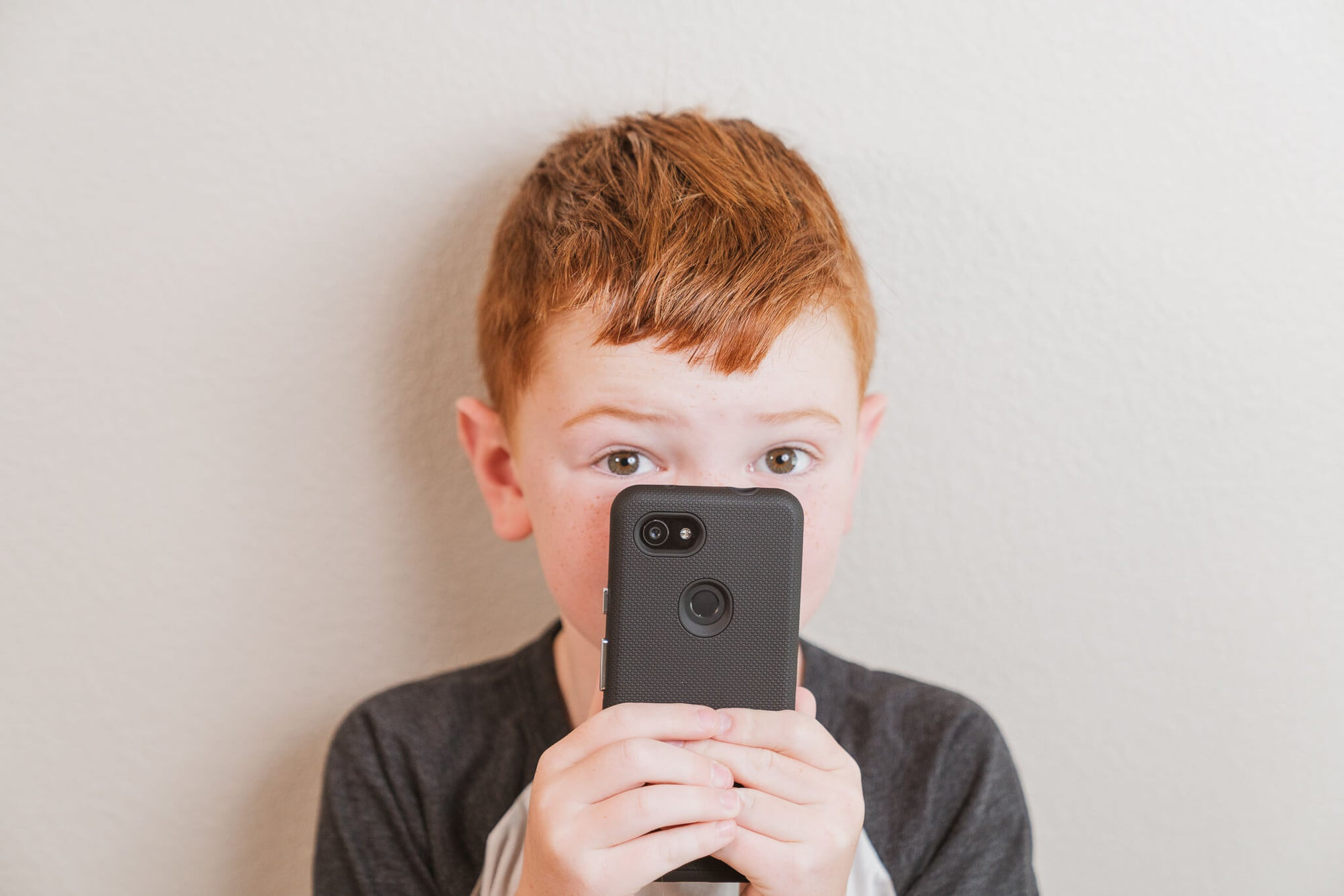 Child Custody: When is it Appropriate to Give a Child a Phone?