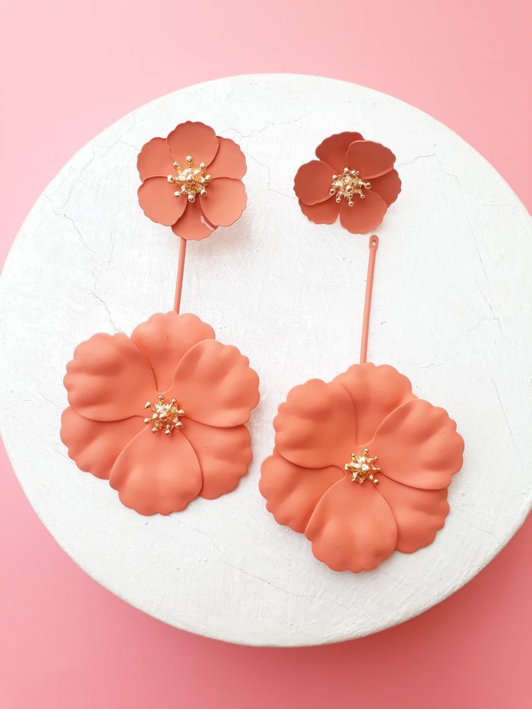 A Fresh Breeze Double Flower Earrings In Fusion Coral