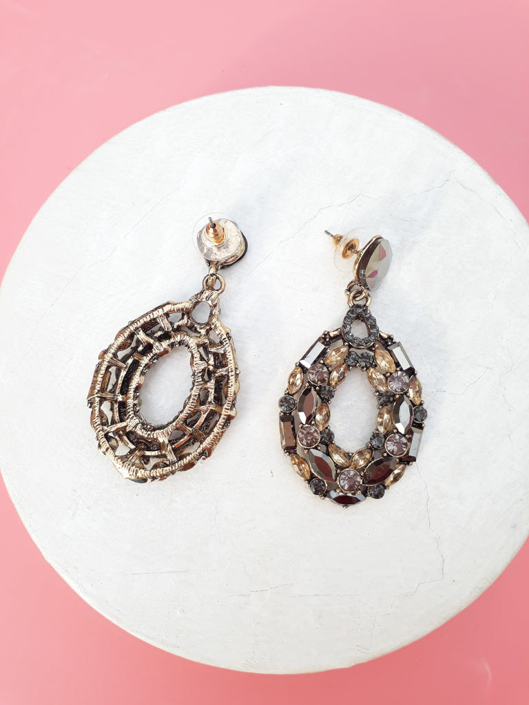 A Moment  Earrings In Crystal Gray