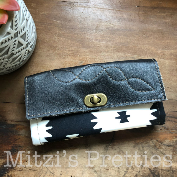 SHIPS TODAY Mom Wallet in Black & White w/ Genuine Leather Flap