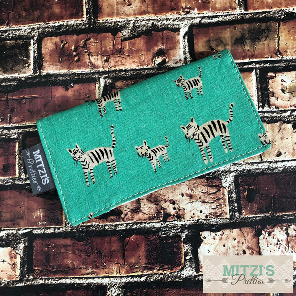 SHIPS TODAY\\\ Checkbook Cover in Teal Kitties