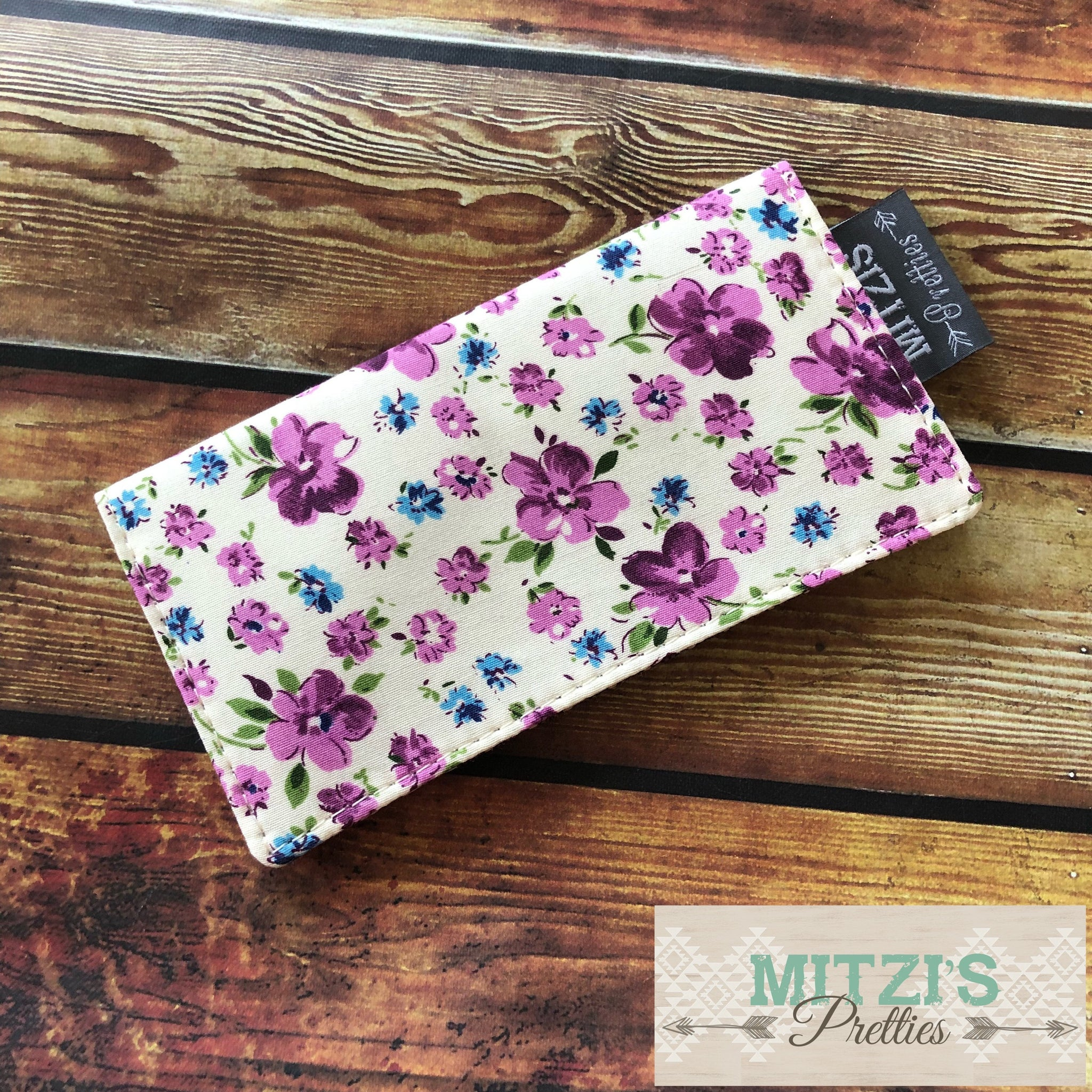 SHIPS TODAY\\\ Checkbook Cover in Vintage Purple Floral