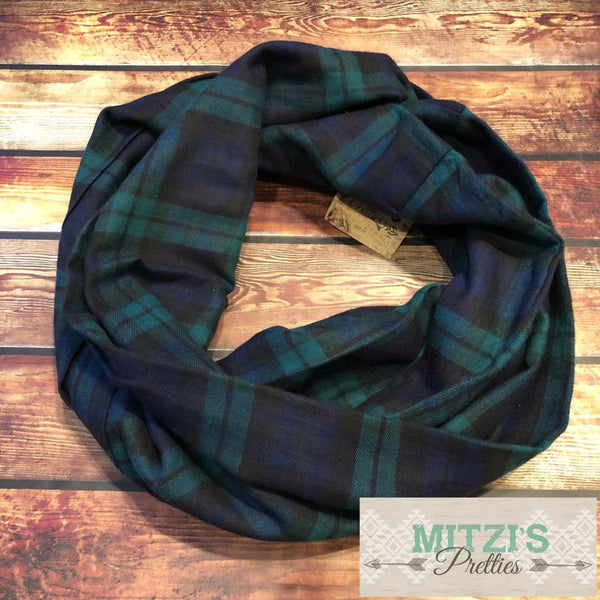 SHIPS TODAY Double Loop Infinity Scarf in Green & Navy Flannel Plaid