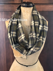 SHIPS TODAY Double Loop Infinity Scarf in Navy and Olive Flannel Plaid
