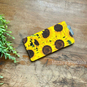 SHIPS TODAY\\\ Checkbook Cover in Sunflowers