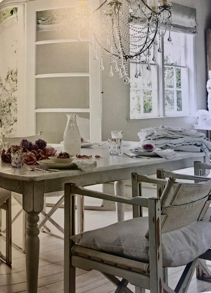 The world of shabby chic, celebrating white