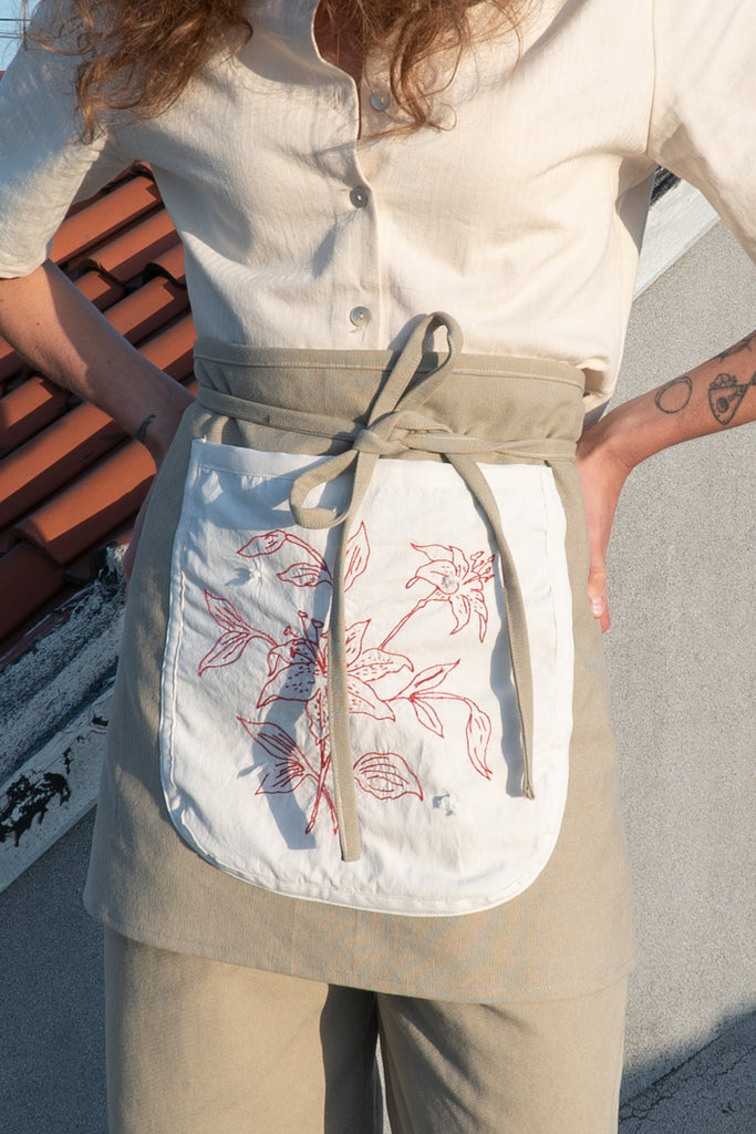 Redwork Embroidered Canvas Waist Apron
