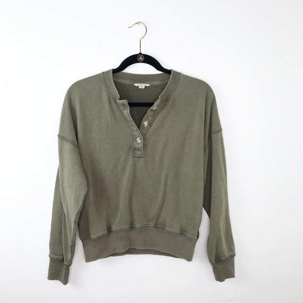 American Eagle olive green quarter button pullover, medium