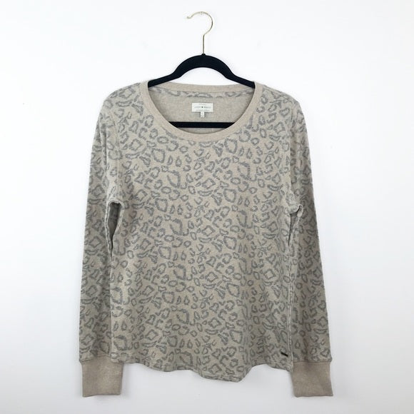 Lucky brand gray leopard printed pullover, large