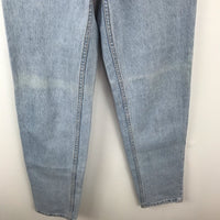 Vintage Levi's orange tab tapered jean light wash, 4/6 small