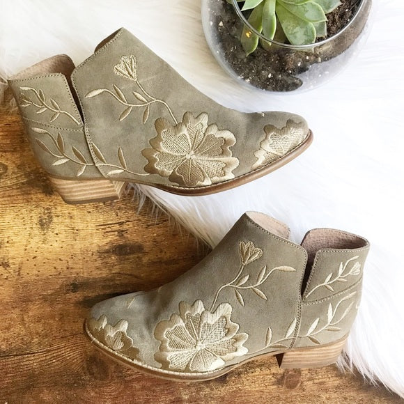 Seychelles embroidered ankle boots, 6