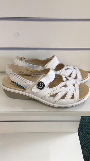 SALE - EasyB Sandal - White - UK7