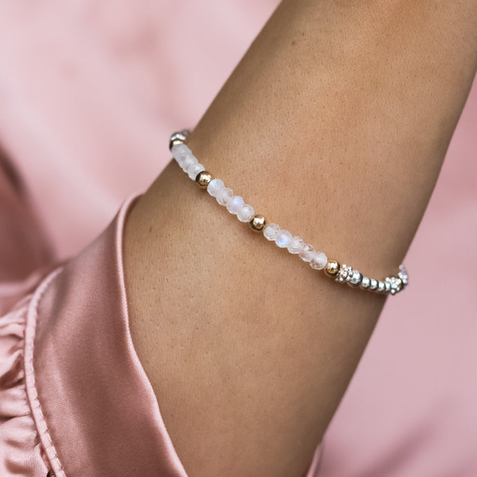 Luxury 925 silver and 14k gold filled bracelet with Moonstone gemstone