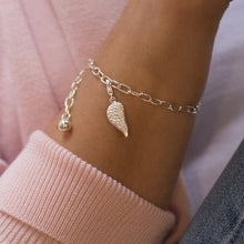 Load image into Gallery viewer, Elegant 925 sterling silver chain bracelet with Angel Wing charm