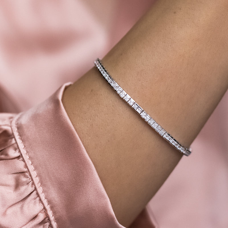 Luxury 925 sterling silver tennis bracelet decorated with Cubic Zirconia stones - Rhodium plated