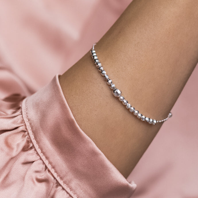 Sparkling 925 Sterling silver faceted ball bracelet