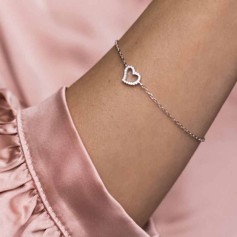 Elegantly delicate 925 sterling silver bracelet with Heart and Cubic Zirconia stones