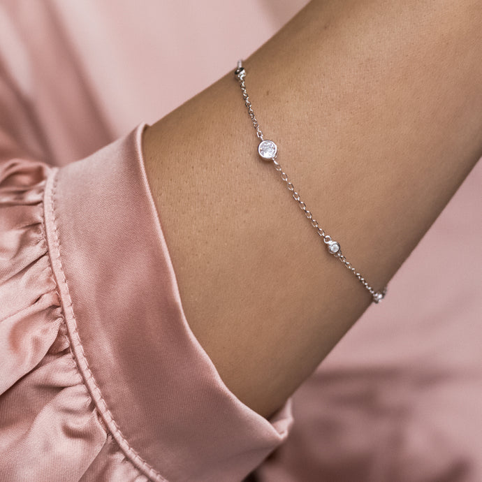 Delicate 925 Sterling silver minimalistic bracelet decorated with Cubic Zirconia stones - Rhodium plated