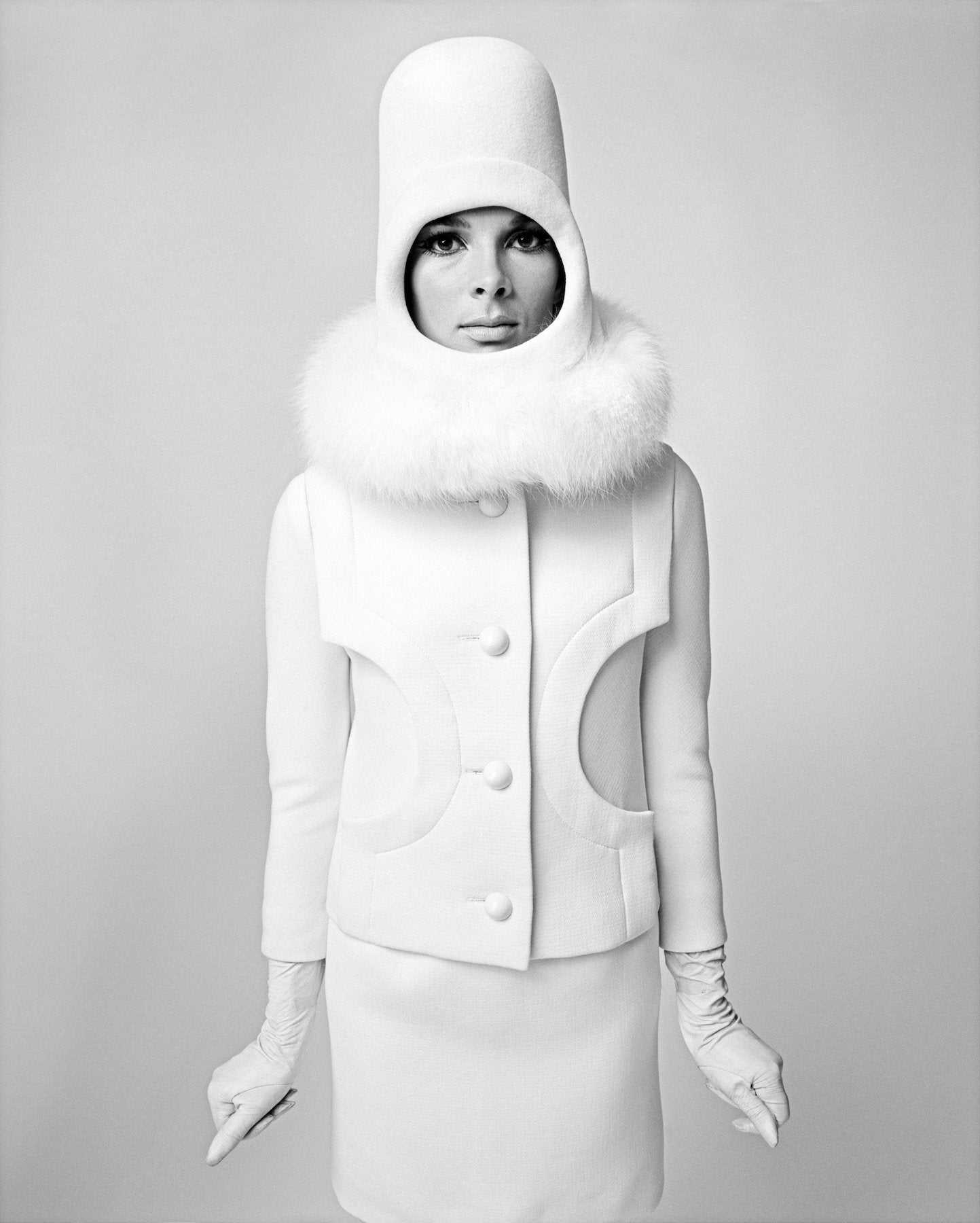 Sputnik Girl, Space Age Look von Pierre Cardin, Paris 1966 - Petra Gut Contemporary AG