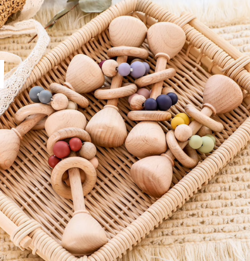 MONTESSORI WOODEN RATTLE // MANY COLORS