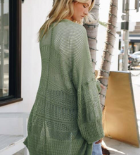 Load image into Gallery viewer, LOOSE KNIT CARDIGAN