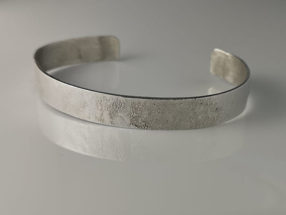 A 925 silver reticulated cuff