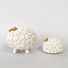Load image into Gallery viewer, Mama & baby sheep - set of 2