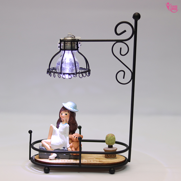 Sitting Girl Lamp Showpiece