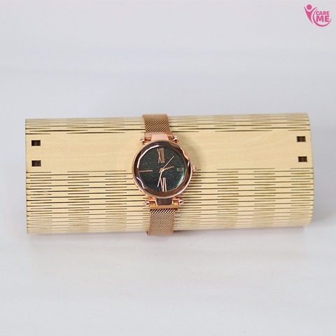 Image of Fashionable Women's Watch