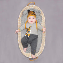 将图片加载到图库查看器,ROBIN - Unisex Baby Knitted Tiger Playsuit - Grey