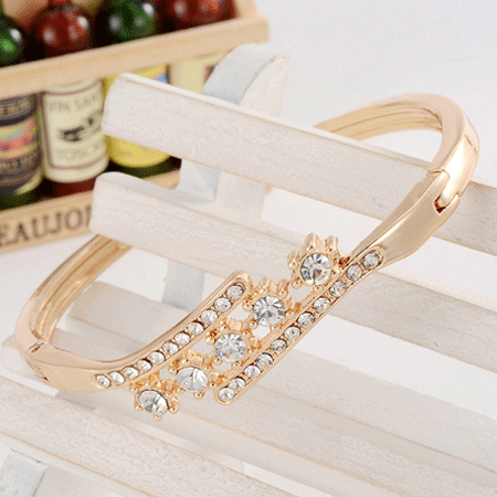 Beautiful Women Accessory With Shinning Synthetic Rhinestone